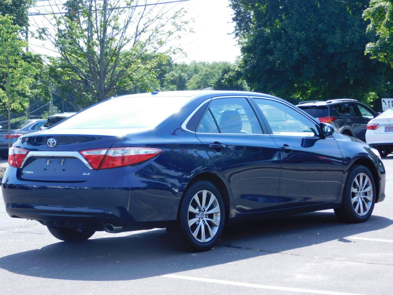 Luxury 2015 toyota Camry Le Review
