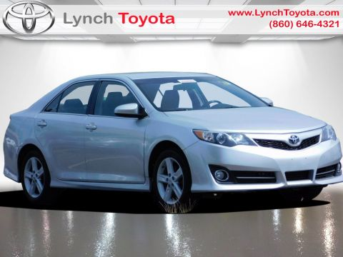 Pre-Owned 2014 Toyota Camry SE Front Wheel Drive 4dr Car