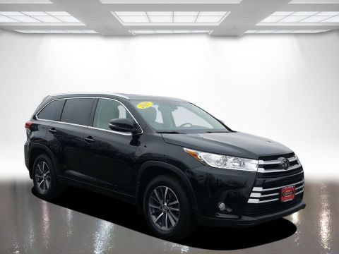 Certified Pre-Owned 2017 Toyota Highlander XL